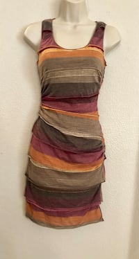 Beautiful Chelsea & Violet layered stretchy dress. Sz Small. Gorgeous fall colors  Las Vegas, 89135