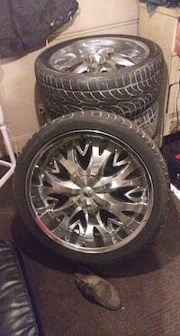 24 inch rims  $500 or best offer willing to negotiate