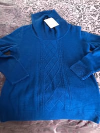 Size small sweater new  Bristow, 20136
