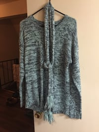 XL cute sweater with scarf  Lubbock, 79414