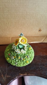 Ceramic Candle jar topper-flowers Winchester, 22601