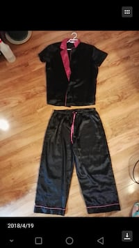 black and red Nike track pants Calgary, T3K 3Y3