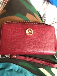 Red michael kors leather wallet  Oakland, 94601