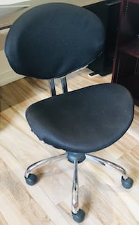 Black Rolling Office Chair North Miami, 33181