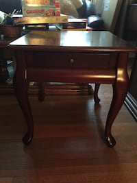 END TABLE w DRAWER MAHOGANY OR CHERRY London, N6C 1J5