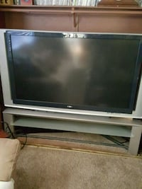 gray and black flat screen TV Victorville, 92395