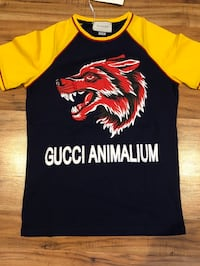 Gucci shirts authentic  Middletown, 10940