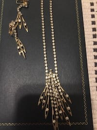 Earrings and necklace set Aiea, 96701