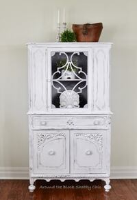 Antique shabby chic china cabinet Mississauga, L5G 2K4