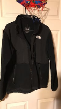 Black the north face full zip jacket