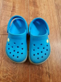 crocs sandals size 6-7 in good condition Richmond, V6Y 2B6
