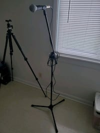 Samson Microphone and stand Asheville, 28801