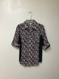 Women BCBGeneration floral button front elbow button sleeves top small