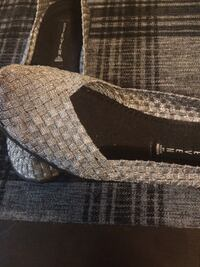 FLATS,SIZE (8),VERY GOOD CONDITION,SMOKE FREE HOME,silver color  Kitchener