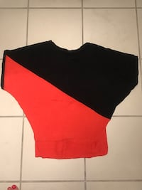 Women's black and red shirt Vancouver, V6G