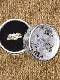 Fashion jewelry silver plated rings size 5.5 Calgary, T3E 6L9