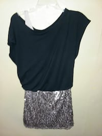 gray scoop-neck cap-sleeve shirt and glittered mini skirt New Albany, 47150
