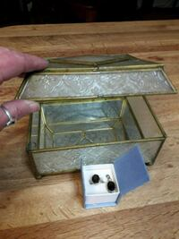 Jewelry box brass and frosted glass mirror bottom  Perris, 92571