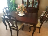 Havertys dining room set Clermont, 34711