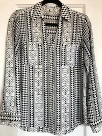 White w/ black geometric pattern button down shirt Nutley, 07110
