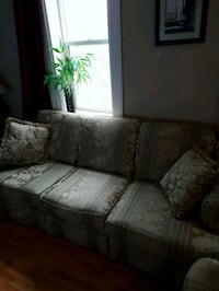 Couch arm chair and love seat  1962 km