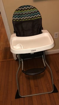 baby's black and white Chicco high chair Waldorf, 20601