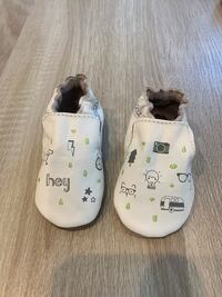 Robeez Leather Moccasins 0-6 month Chantilly, 20152