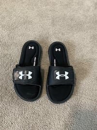 Under armor sandals/youth West Donegal, 17022