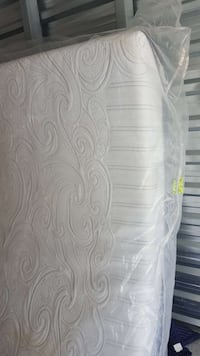 Queen memory foam 200.00 call  [PHONE NUMBER HIDDEN]  London, N6J 1W6