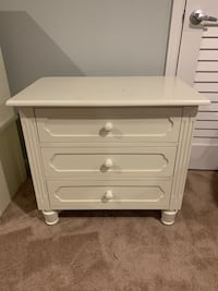 Girls White Nightstand Sykesville, 21784