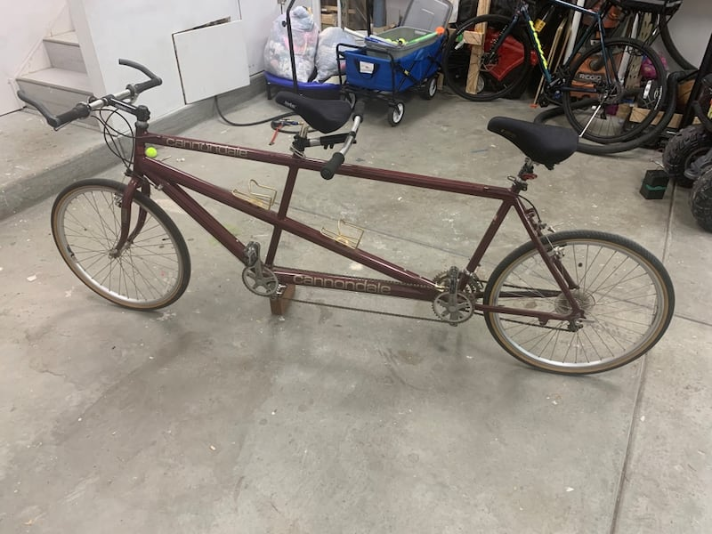 Cannondale Tandem Bicycle 67767150-7208-4442-9cac-2a2b4ece96f1