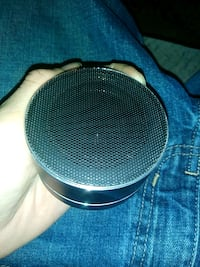 round black and gray portable speaker Augusta, 30906