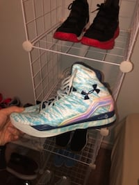 Christmas edition under armour basketball shoes