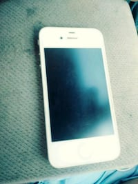 white iPhone 4 with case Sumter, 29150