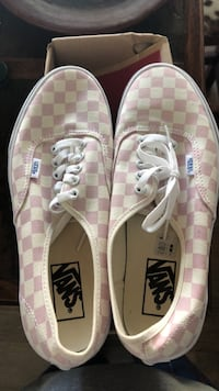 vans- mens 8.5 womens 10 Melbourne, 32901