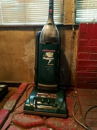 Self-propelled WindTunnel vacuum cleaner Akron, 44311