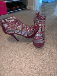 Sexy maroon/violet colored heel sandals size 6.5 Missouri City