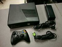xbox 360 slim + kinect + 35 games Peachtree City, 30269