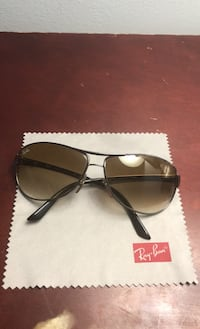 Selling Men's Ray-Ban sun glasses price negotiable Mississauga, L4T
