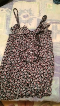 women's black and white floral sleeveless top