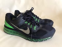 pair of black-and-green Nike running shoes 2388 mi