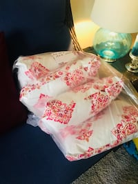 Beautiful pink white and brown pillows homemade Ontario, 91764