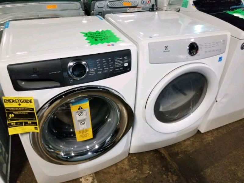 Electrolux washer and dryer  95988ee9-4ab2-4fa4-84d2-5e41576d718e