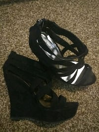 pair of black open-toe wedge sandals El Centro, 92243