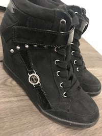 Guess shoes size 8.5 Guelph, N1G