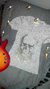 white and gray skull graphic printed cap-sleeved t