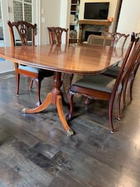 Dining room table Nashville, 37211