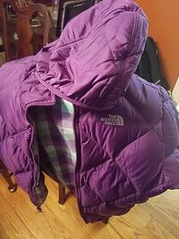 North face small teen coat. Brand new Woodbridge, 22192