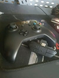 Xbox 1 Original Controller with Headset Adapter Brampton, L7A