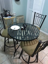 top glass black base with three side chairs Bayonne, 07002